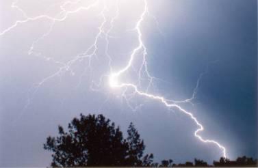 lightningovercornville3.jpg